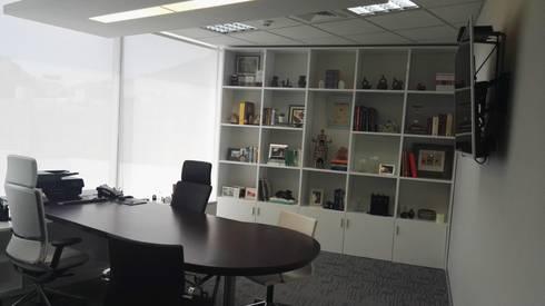 Offices & stores by Soluciones Técnicas y de Arquitectura