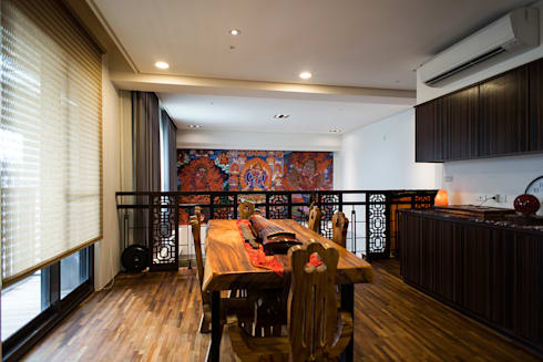 asian Dining room by 世家新室內裝修公司