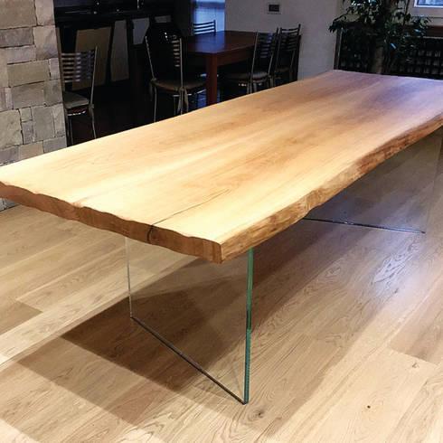 Tavolo in rovere con basamento in cristallo di bruno for Bruno interni