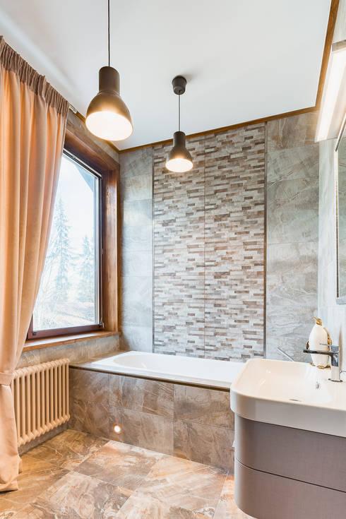 Ванная при спальне 2 этаж: Ванные комнаты в . Автор – ARK BURO