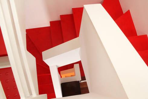 Unire due appartamenti su livelli diversi in una casa a corte di t t architettura homify - Unire due pavimenti diversi ...