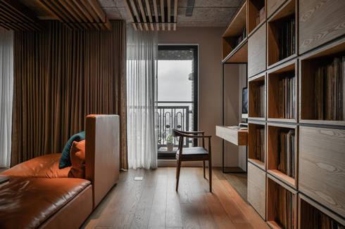 黑膠:  書房/辦公室 by 參與室內設計有限公司