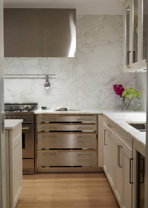 New York City Family Home:  Kitchen by JKG Interiors