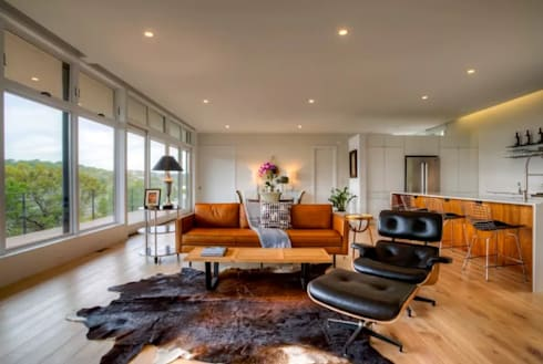 Airbnb Texas l: modern Living room by Urban Savvy Design