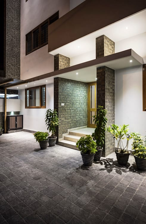 Entrance to the House:  Houses by Manuj Agarwal Architects