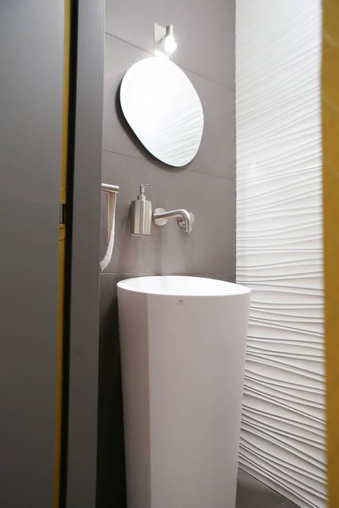 Agencement et aménagement de toilettes par Myriam Wozniak ...