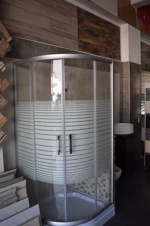 Baños de estilo  por Arte & Diseño