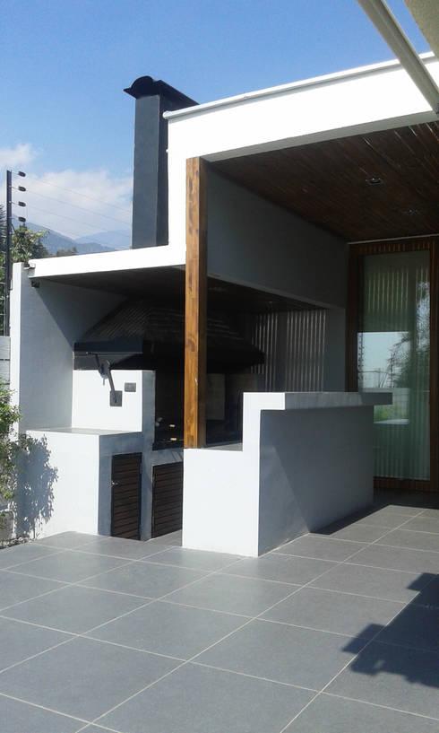 Casa La Reina: Jardines de estilo  por Arc Arquitectura