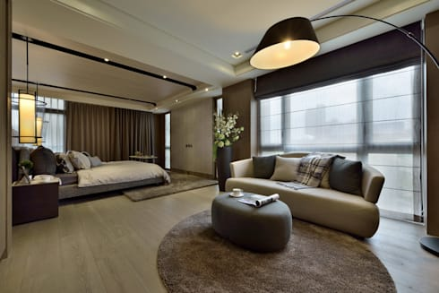 A cozy villa that enables you to escape life's hustle!:  臥室 by POSAMO十邑設計
