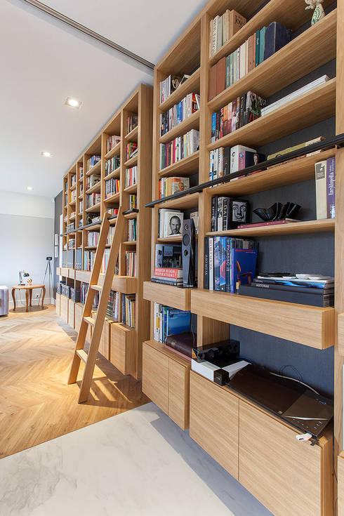 DOM NA WSI: styl , w kategorii Domowe biuro i gabinet zaprojektowany przez oyster