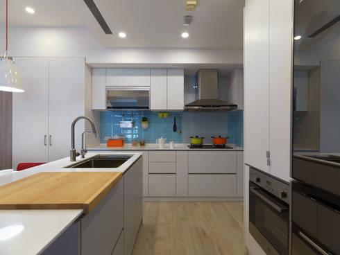 繽紛:  廚房 by 倍果設計有限公司