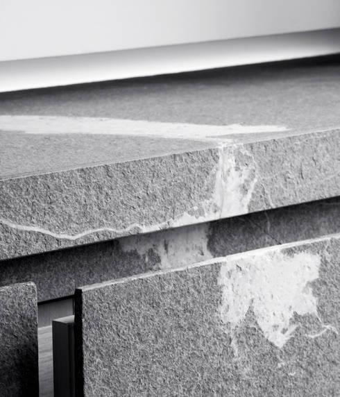 Detail Cabinet Living Room:  Woonkamer door Jen Alkema architect