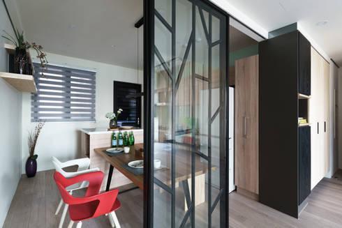 無邊光色 歸國夫妻的北歐新婚宅:  餐廳 by 羽筑空間設計