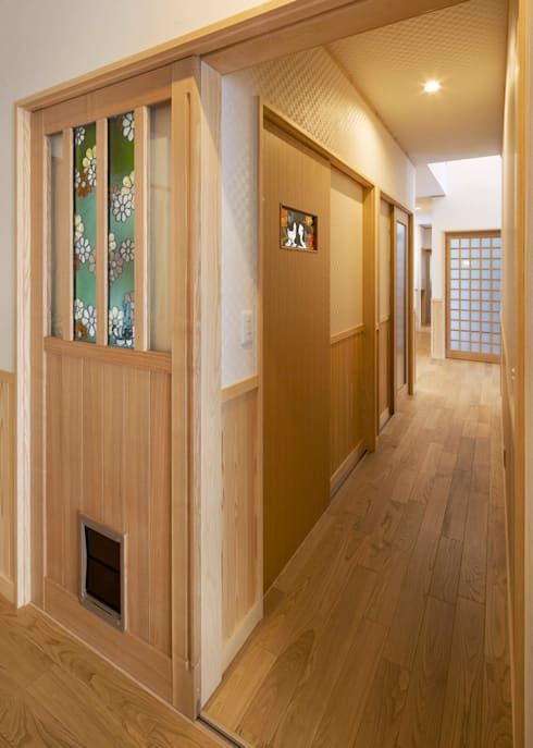 玄關、走廊與階梯 by 小栗建築設計室