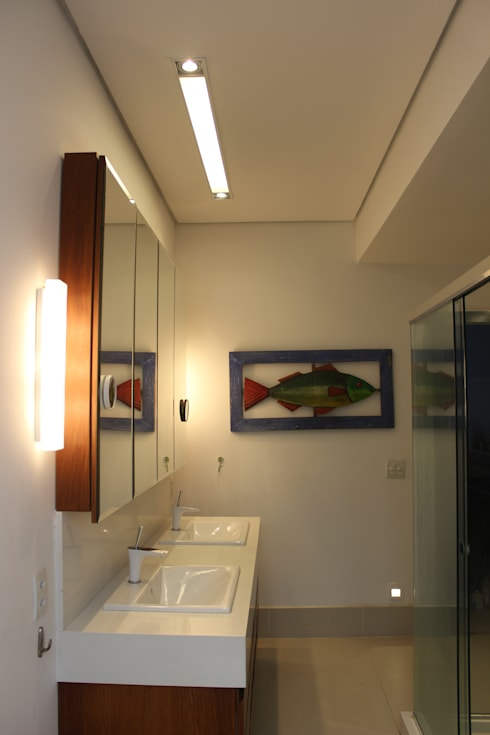 Baños de estilo  por daniela kuhn arquitetura