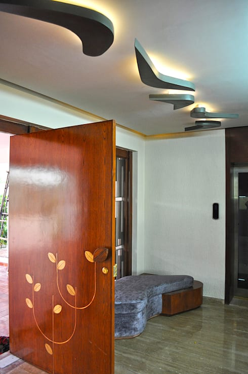 Interior of Nikhil Prajapati:  Corridor & hallway by Architects at Work