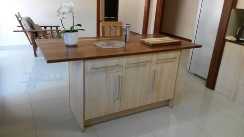 Classic Melamine kitchen: classic Kitchen by SCD Kitchens