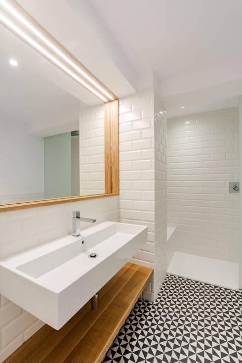 Bagno in stile  di Irrazábal |studio|