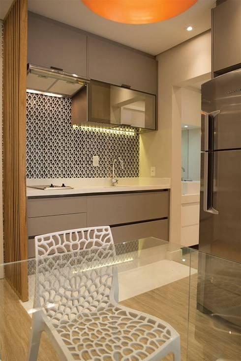 Apartamento B/E: Cozinhas  por Nataly Aguiar Interiores