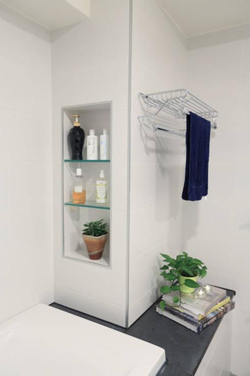 向美式經典致敬--二十年老屋新個性:  浴室 by 微自然室內裝修設計有限公司