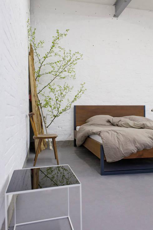 Bett Industrial loft vintage industrial bett massivholz und stahl by n51e12