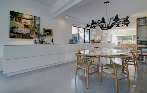 woonhuis H te Heythuysen: moderne Eetkamer door CHORA architecten