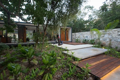 modern Houses by FGO Arquitectura