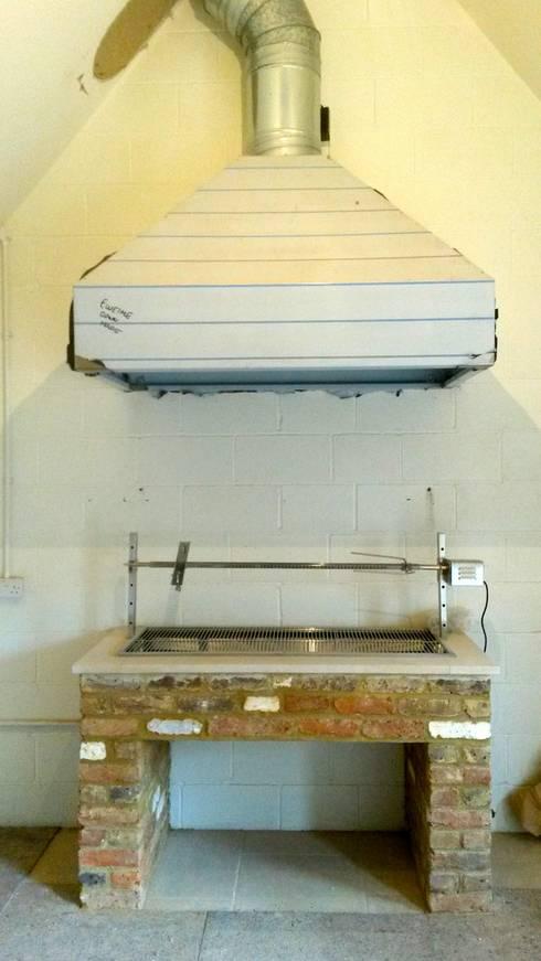 landelijke Keuken door wood-fired oven