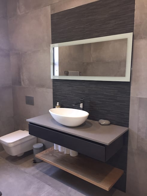 House Verster - Johannesburg : modern Bathroom by Graftink Interior and Architectural Design Studio