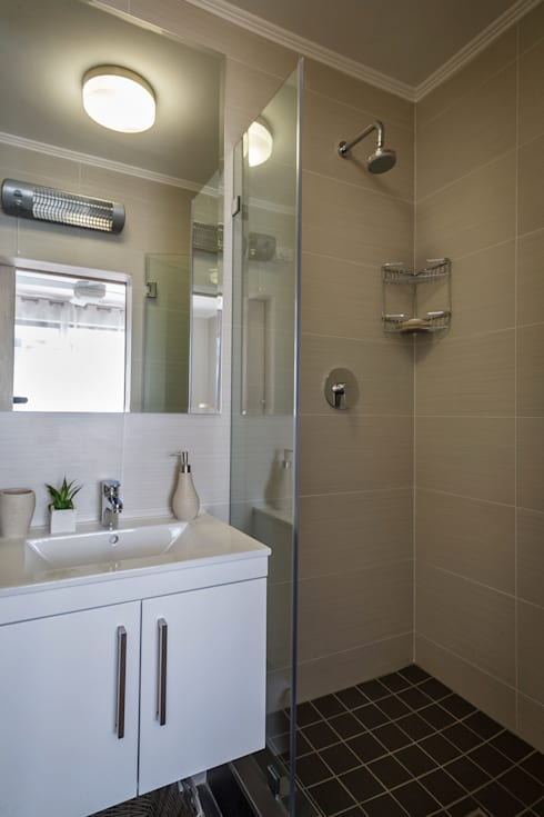 Holiday Let apartments: modern Bathroom by Nailed it Projects