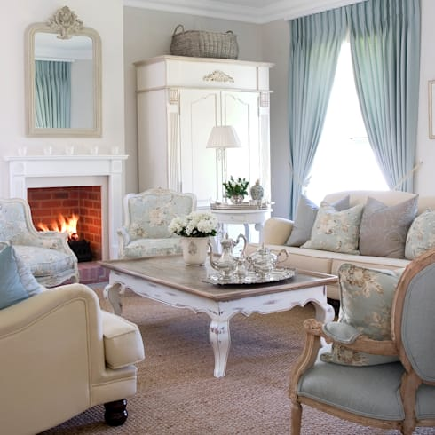 Craighall Home: classic Living room by Peter Thomas Interiors