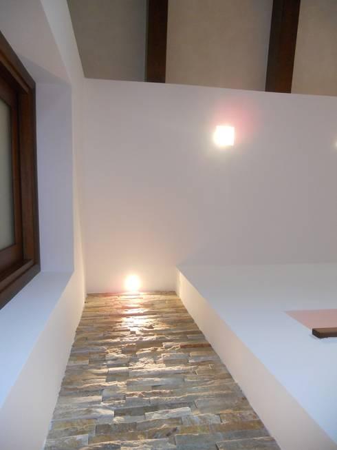 Projekty,  Korytarz, hol i schody zaprojektowane przez I-TAO architecture 'n design