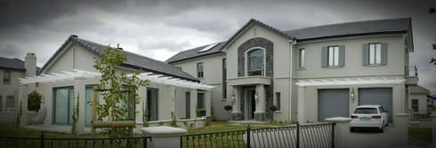 House De Re: country Houses by Abré Marais Architects