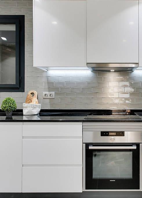 Cocina, detalle: Cocinas de estilo  de Markham Stagers