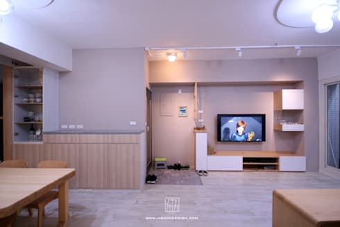高雄新興 謝公館:  客廳 by 協億室內設計有限公司
