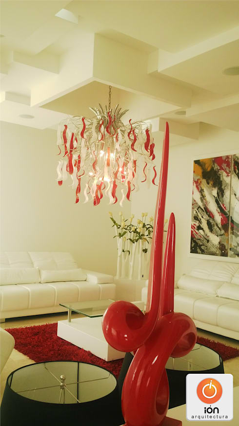 CASA LA UMBRIA / Reciclaje Arquitectonico: Salas de estilo minimalista por ION arquitectura SAS