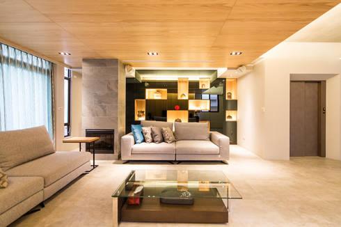 客廳:   by 果仁室內裝修設計有限公司