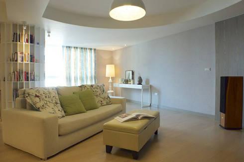 客廳開放空間:   by 果仁室內裝修設計有限公司
