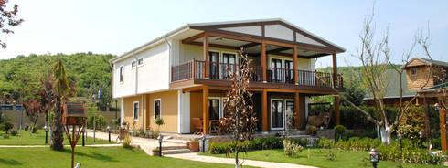 ejemplo: Casas de estilo clásico por Martha Poveda