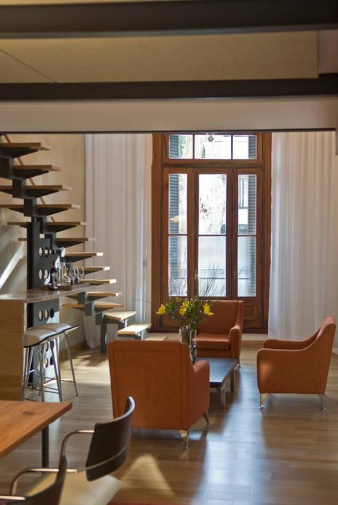 CASA EN PALERMO: Livings de estilo moderno por Arquitecta MORIELLO
