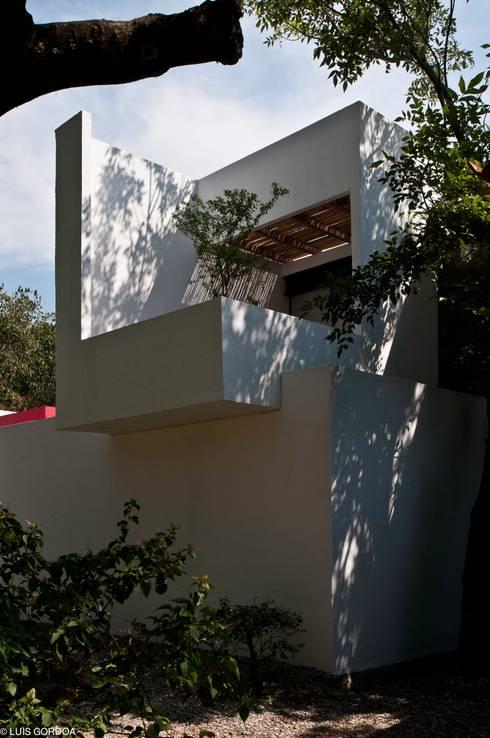 Casas de estilo ecléctico por homify