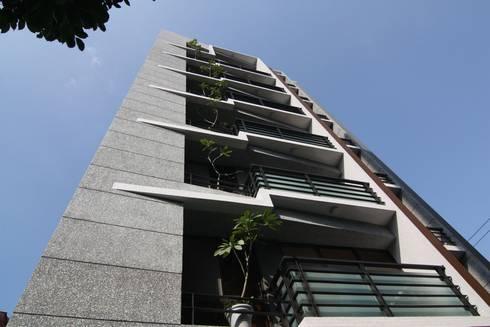 外觀立面:  房子 by CCL Architects & Planners林祺錦建築師事務所