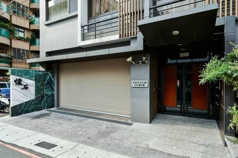 入口外觀:  房子 by CCL Architects & Planners林祺錦建築師事務所