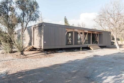 Oficinas Chicureo: Casas de estilo moderno por MACIZO Arquitectura y Construcción Limitada