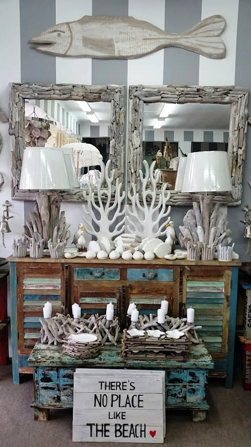 Driftwood Decor: mediterranean Living room by BEACHSAND