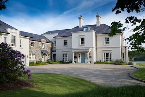 Country Manor : classic Houses by Thompson Clarke