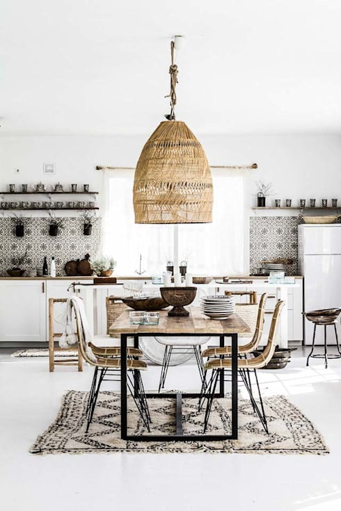 Salas/Recibidores de estilo escandinavo por Design for Love