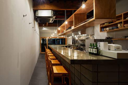   料理とお酒 晴ル: こよりが手掛けたキッチンです。