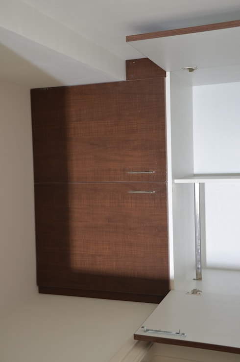 Wooden Cupboard Online Shopping:  Bedroom by Scale Inch Pvt. Ltd.