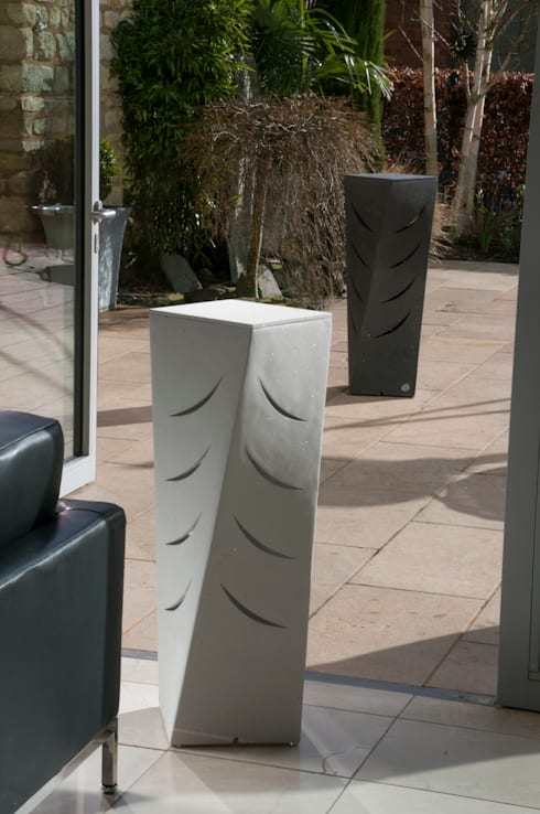 The Furtho in Bright & White and Charcoal Lustre:  Garden  by Jalu Ltd